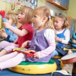 When is the best time to take babies to kindergarten?